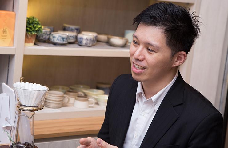 CUHK Business School Alumni - Life is Like a Cup of Coffee